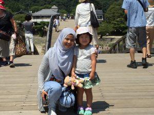 マレーシアのゲストと幼稚園児
